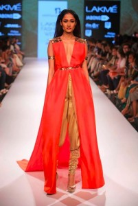nikhil_thampi_payal_singhal_gold_cape_skirt_chooridar_sequin_shimmer_red_top_makeup_shoes