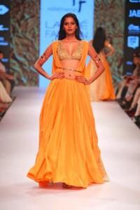 nikhil_thampi_payal_singhal_gold_mango_silk_gown_sequin_blouse_bikini_belt