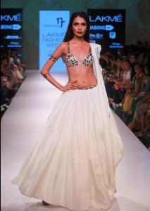 nikhil_thampi_payal_singhal_white_lehenga_blouse_bikini_choli_gold_sheer_sequin