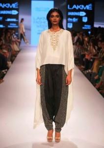 payal_singhal_white_black_top_blouse_shoes_salwar