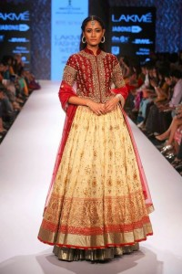 ritu_kumar_collection-2015_lakme_fashion_week_anarkali_gown-lehenga_red