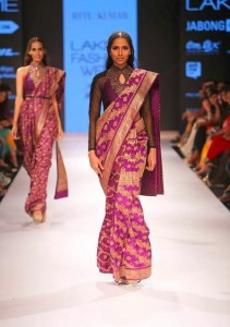 ritu_kumar_collection-2015_lakme_fashion_week_saree_banarasi_purple_gold_designer_silk