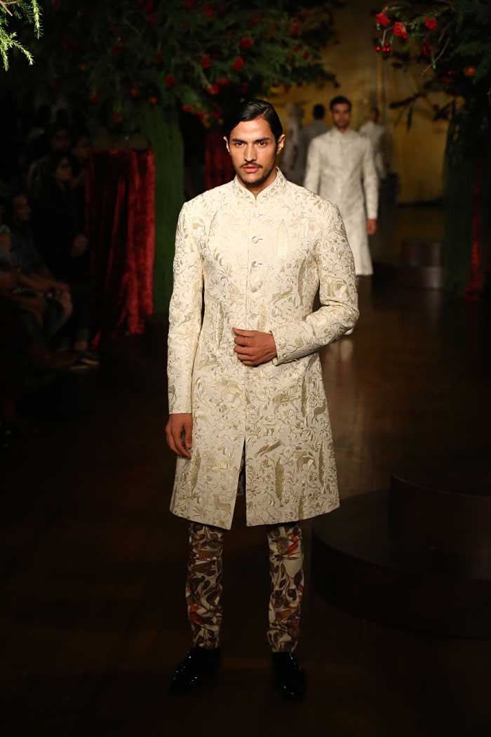 Rohit Bal Autumn Winter 2015 Couture Fashion Show