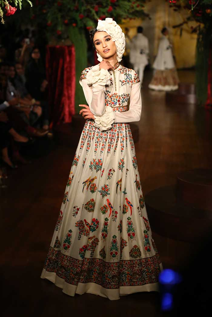 rohit_bal_aicw_2015_amazon-india_couture_fashion_week_autumn_winter_designer_runway_ (2)