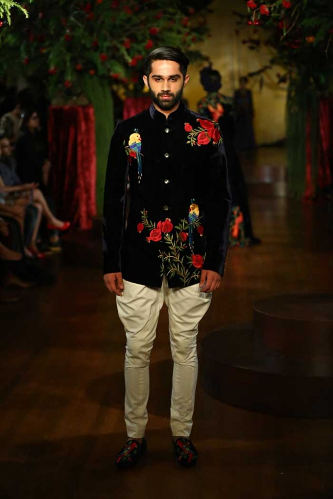 rohit_bal_aicw_2015_amazon-india_couture_fashion_week_autumn_winter_designer_runway_ (6)