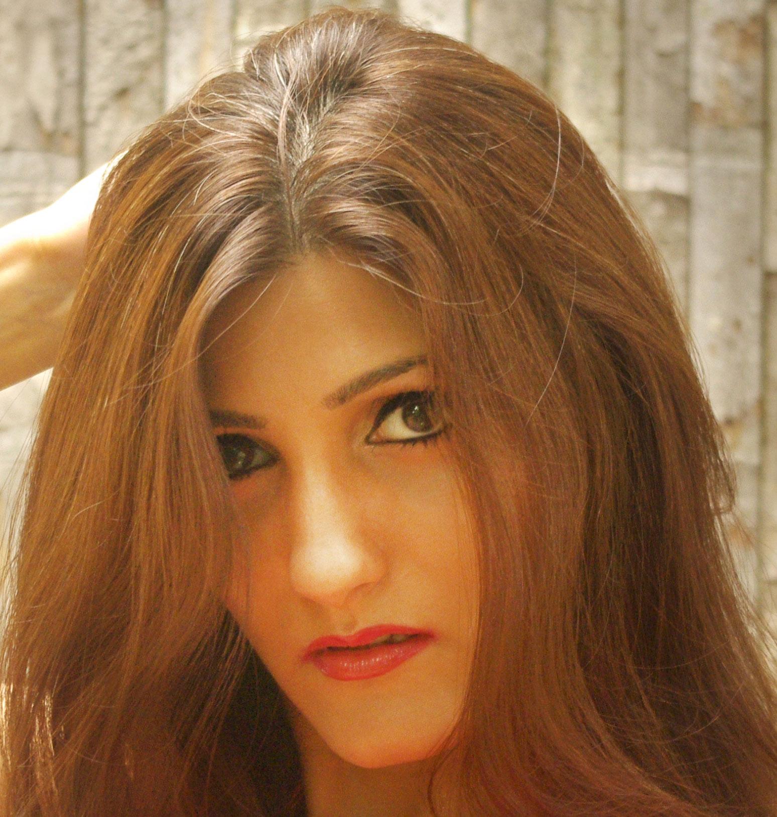 shilpa-ahuja-indian-fashion-blogger-sexy-hot-pose-model-style