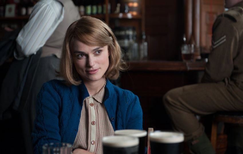 the_imitation_game_keira_knightley_talking_bar
