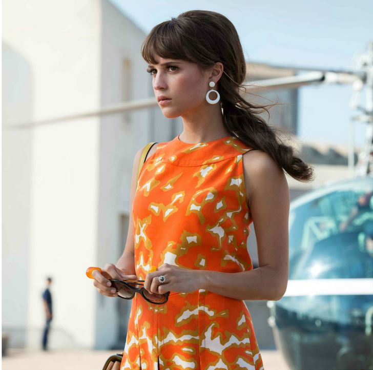 the_man_from_uncle_gaby_orange_dress_earrings_sunglasses_hairstyle_makeup
