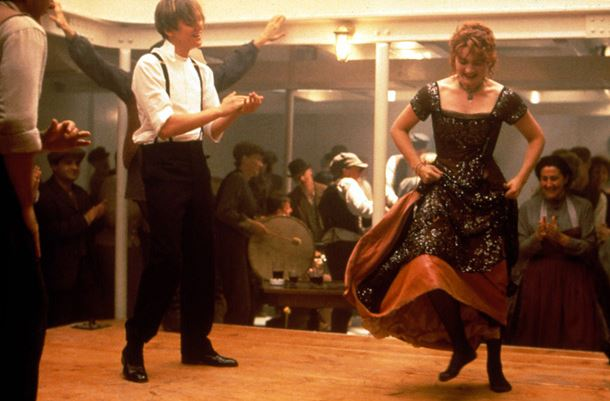 titanic_rose_jack_leonardo_di_caprio_dancing_party_night_scene