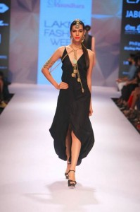 vasundhara_2015_collection_lakme_fashion_week_winter_black_dress