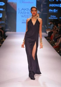 vasundhara_2015_collection_lakme_fashion_week_winter_black_dress_futuristic necklace