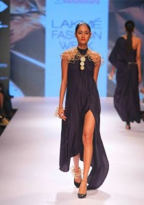 vasundhara_2015_collection_lakme_fashion_week_winter_black_dress_necklace