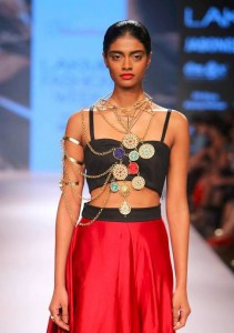 vasundhara_2015_collection_lakme_fashion_week_winter_red_skirt_jewelry_statement-gold_necklace