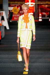 01-moschino-milan-fashion-week-show-spring-summer-2016-ready-to-wear-rtw-construction-inspired