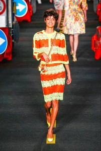 12-moschino-fashion-show-spring-summer-2016-rtw-orange-yellow-lace-stripe-suit-yellow-pumps