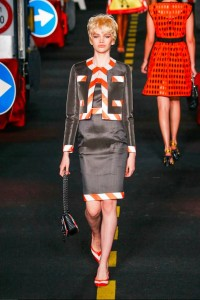 20-bella-hadid-moschino-couture-ahead-spring-summer-2016-rtw-traffic-cone-border-suit-grey