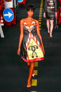 21-moschino-couture-ahead-spring-summer-2016-rtw-traffic-cone-border-dress