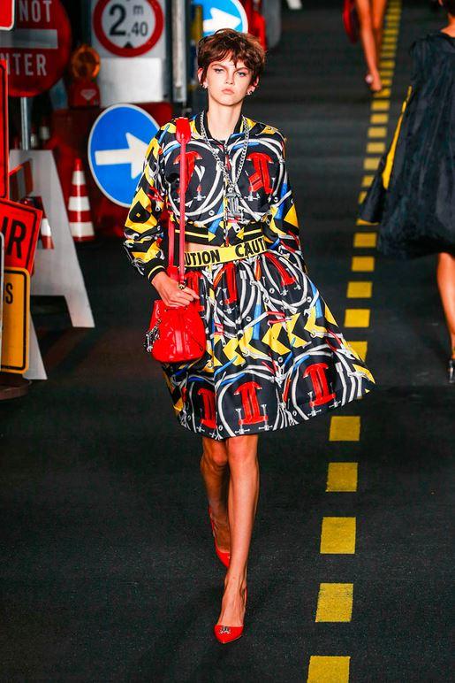 31-moschino-fashion-show-spring-summer-2016-rtw-caution-belt-dress-construction-inspired