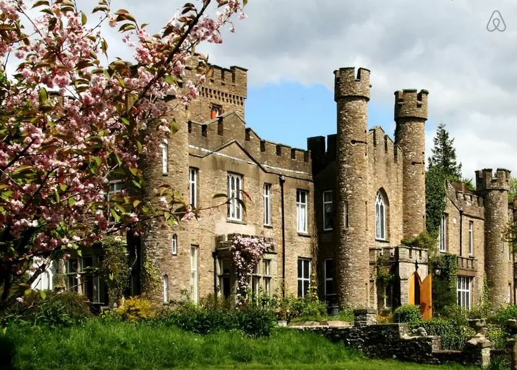 Stay-Ancient-British-Castle-Kirkby-Stephen-United Kingdom-airbnb-luxury-hotel-villa-house-travel-idea-uk