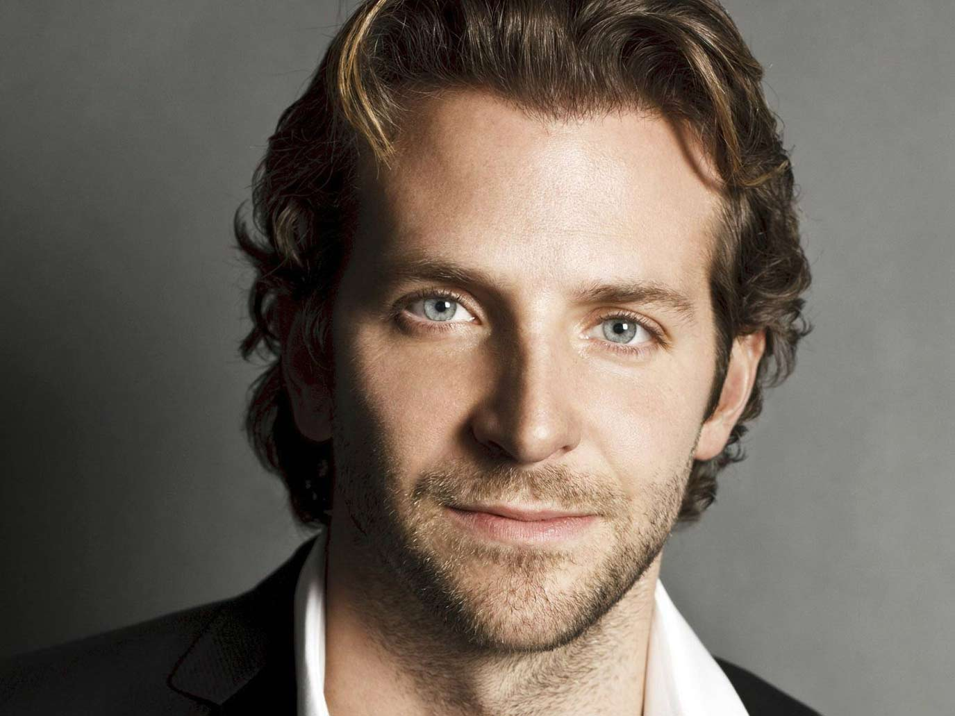bradley-cooper-sexy-suit-hollywood-hot-sexiest-actor-men-movie-star-handsome-recent