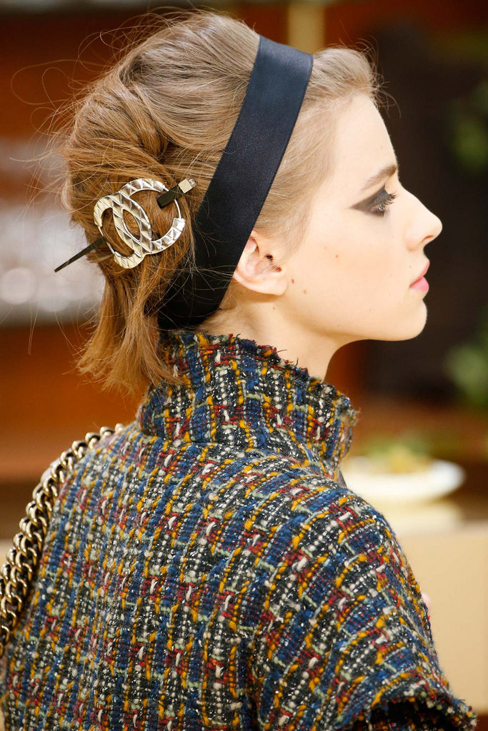 hair_accessories_trend_2015_2016_latest_top_best_womens_chanel_rtw_clip_headbands