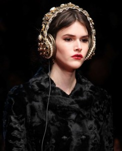 hair_accessories_trend_2015_2016_latest_top_best_womens_couture_dolce_gabbana_headphones_embellished