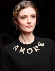 hair_accessories_trend_2015_2016_latest_top_best_womens_couture_dolce_gabbana_pins_multiple
