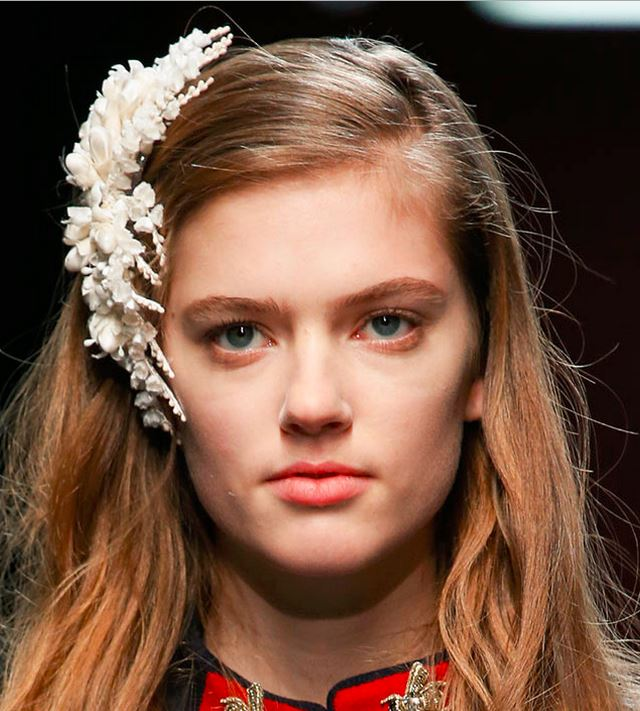 hair_accessories_trend_2015_2016_latest_top_best_womens_rtw_gucci_flower_pin