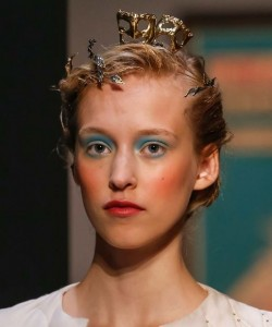 hair_accessories_trend_2015_2016_latest_top_best_womens_schiaparelli_gold_couture_mask_exotic