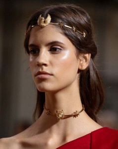 hair_accessories_trend_2015_2016_latest_top_best_womens_valentino_gold_exotic_couture_roman