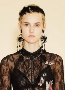 hair_accessories_trend_2015_2016_latest_top_best_womens_valentino_resort_tribal_feather_headband