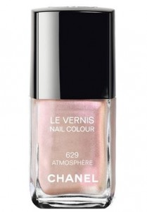 latest-winter-206-top-best-fall-nail-polish-colors-2015-chanel-shimmer-shine-lacquer-nude-pearl-629-atmosphere