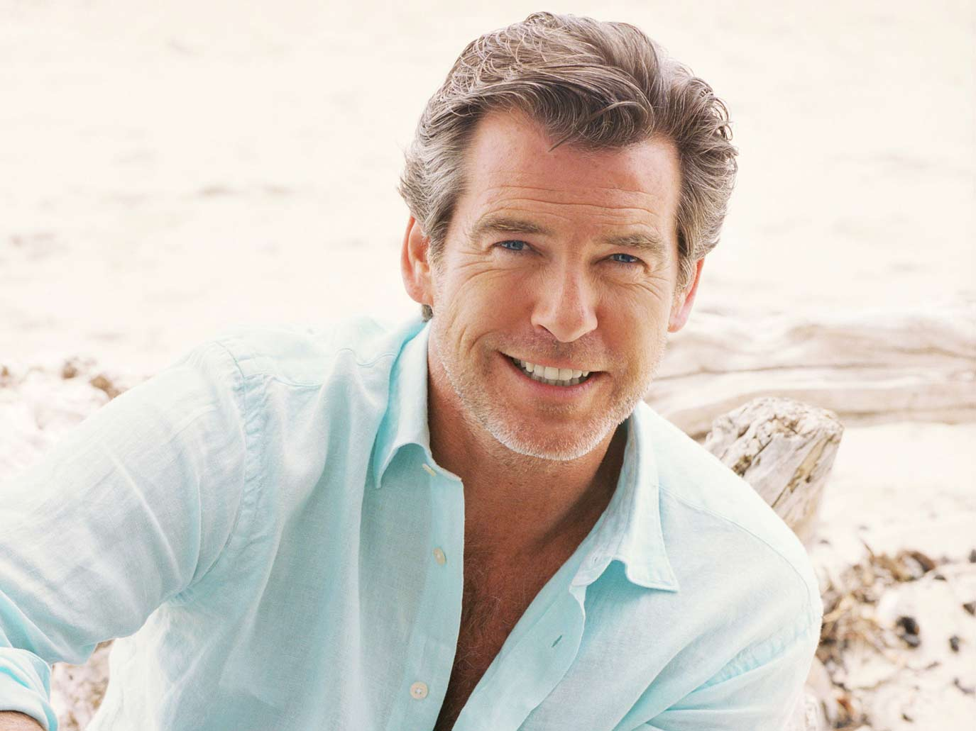pierce-brosnan-sexy-hollywood-hot-sexiest-actor-men-movie-star-recent-james-bond