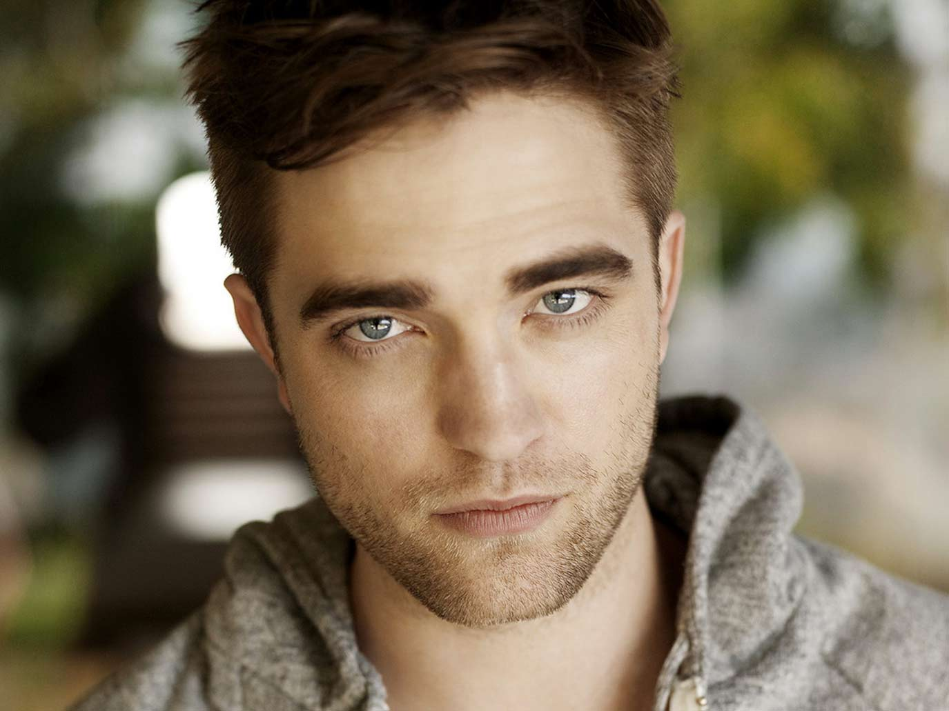 robert-pattinson-sexy-suit-hollywood-hot-sexiest-actor-men-movie-star-handsome-recent-vampire