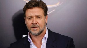 russel-crowe-hollywood-actor-disappointed-crying-sad-gladiator