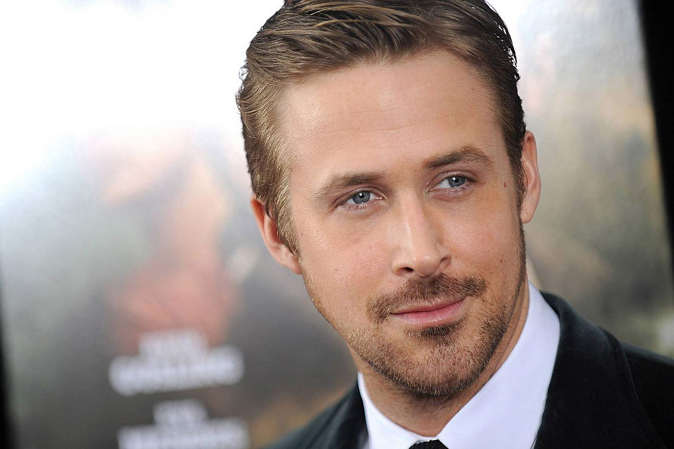 ryan-gosling-sexy-suit-hollywood-hot-sexiest-actor-men-movie-star-crazy-stupid-love-best-hairstyle