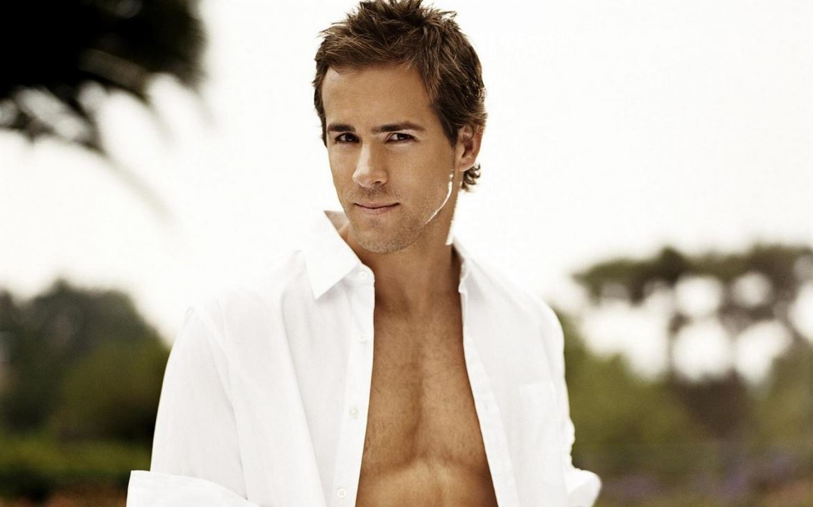 ryan-reynolds-sexy-suit-hollywood-hot-sexiest-actor-men-movie-star-handsome-recent-