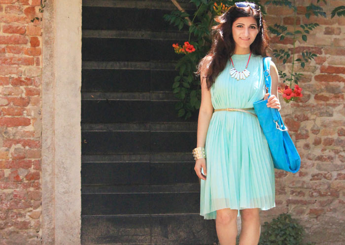 shilpa_ahuja_sky_blue_dress-bag_tote_hobo_travel_venice_look