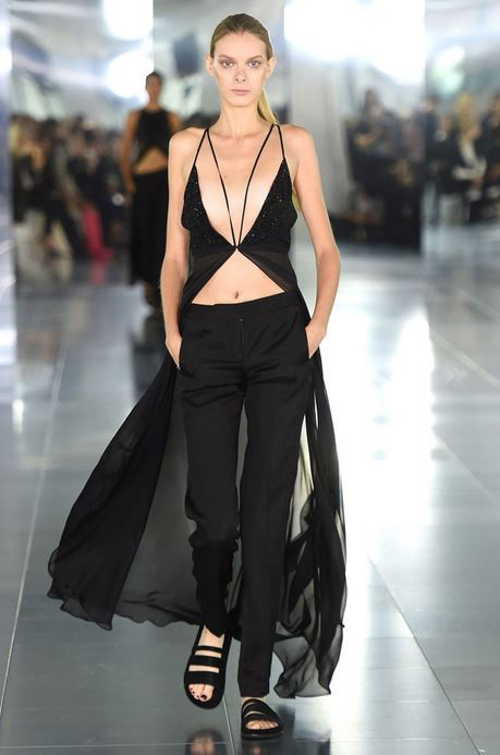 top-best-fashion-trends-outfits-dresses-london-fashion-week-spring-summer-2016-cape-tops__
