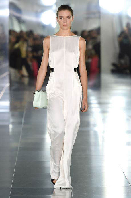 top-best-fashion-trends-outfits-dresses-london-fashion-week-spring-summer-2016-white-jumpsuit_