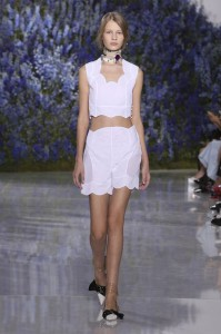 01-dior-spring-summer-2016-rtw-fashion-show-paris-week-white-shorts-necklac