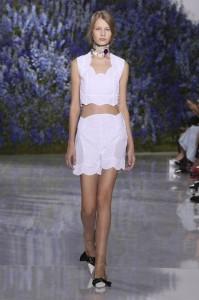 01-dior-spring-summer-2016-rtw-fashion-show-paris-week-white-shorts-necklac