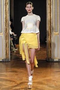 01-rahul-mishra-spring-summer-2016-rtw-paris-fashion-week-yellow-skirt-white-top