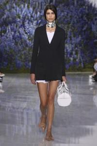 03-dior-spring-summer-2016-rtw-fashion-show-paris-week-black-jacket-brown-shoeschoker-necklace