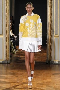 03-rahul-mishra-spring-summer-2016-rtw-paris-yellow-applique-top-white-skirt