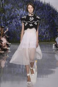 10-dior-spring-summer-2016-rtw-fashion-show-paris-week-knit-crop-sweater-sheer-white-skirt