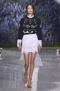 14-dior-spring-summer-2016-rtw-fashion-show-paris-week-flower-mountain-look-pointy-pumps-shoes