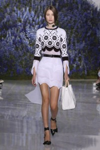17-dior-spring-summer-2016-look-white-pattern-sweater-with-white-skirt-black-shoes