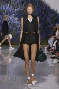 25-dior-spring-summer-2016-look-black-shorts-crop-top-silk-cape-jacket