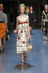 27-dolce-and-gabbana-spring-summer-2016-white-midi-dress-floral-flower-belt-print-feminine-beatiful-best-gorgeous